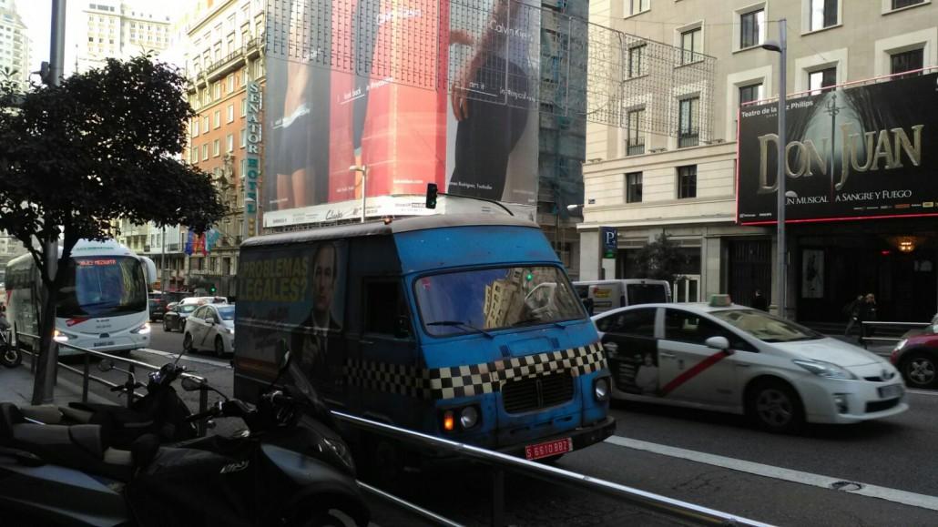 street-trucks-better-call-saul-2