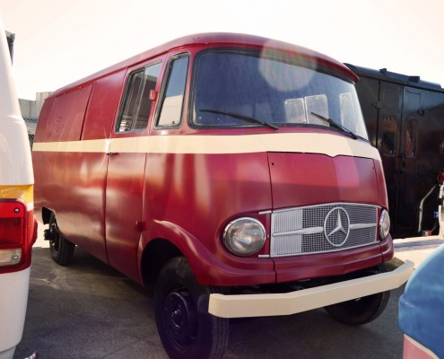 Mercedes-Benz L319D